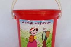 Party Buckets in the East Rand personalized party packs filled with quality sweets party buckets025